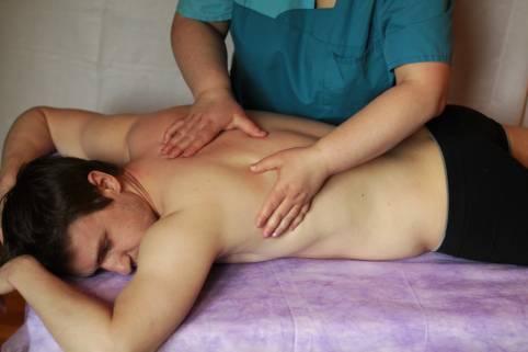 массаж-спины-в-спб