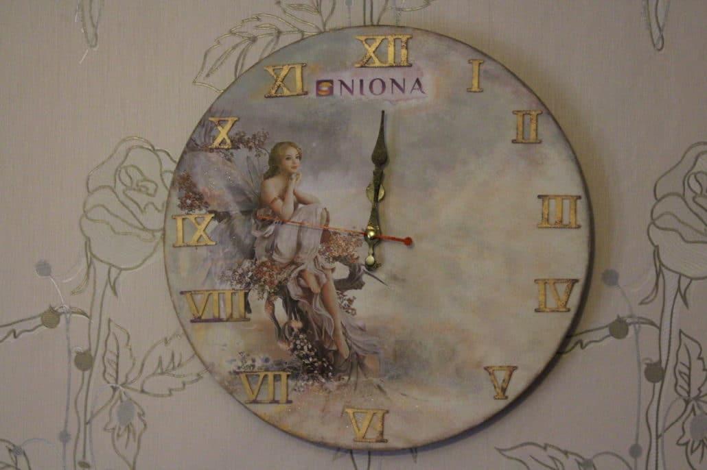 Часы декупаж для массажного кабинета