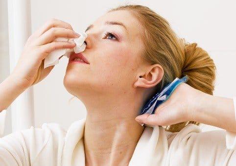 Помощь при носовом кровотечении