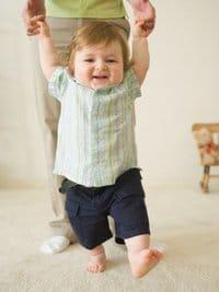 Упражнения и массаж детей 9-12 месяцев
