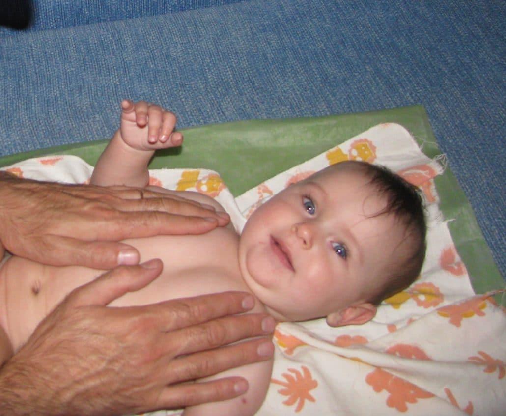 Последовательность действий при массаже младенцев