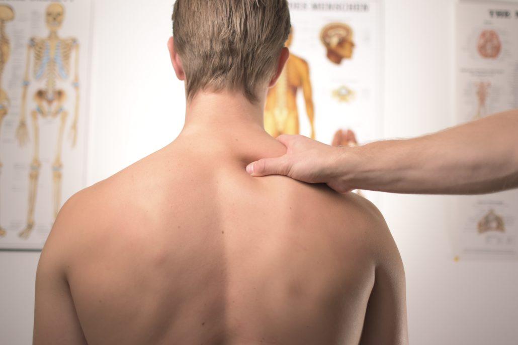 Как работает остеопатия и кому будет полезна