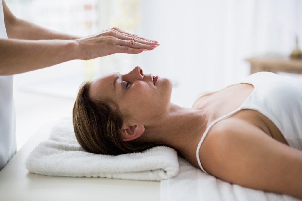 Бесконтактный массаж лица и тела
