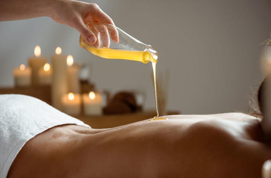 Медовый массаж. Чем полезен для кожи?