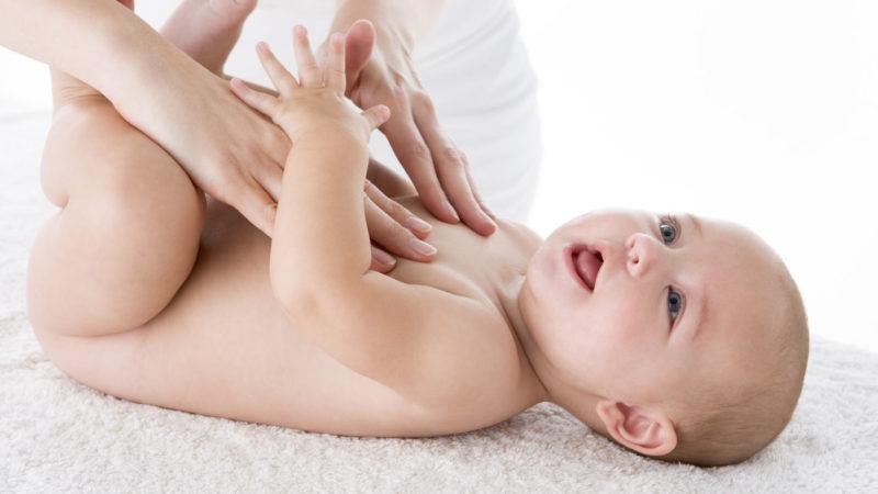 Зачем грудничкам массаж?