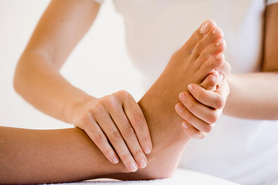 Массаж ног при отёчности. Как правильно делать