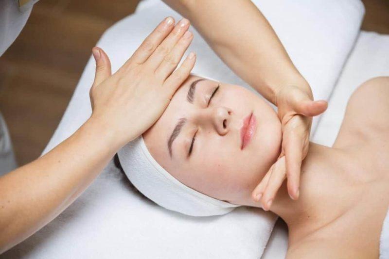 Курс на сохранение молодости – косметический массаж лица