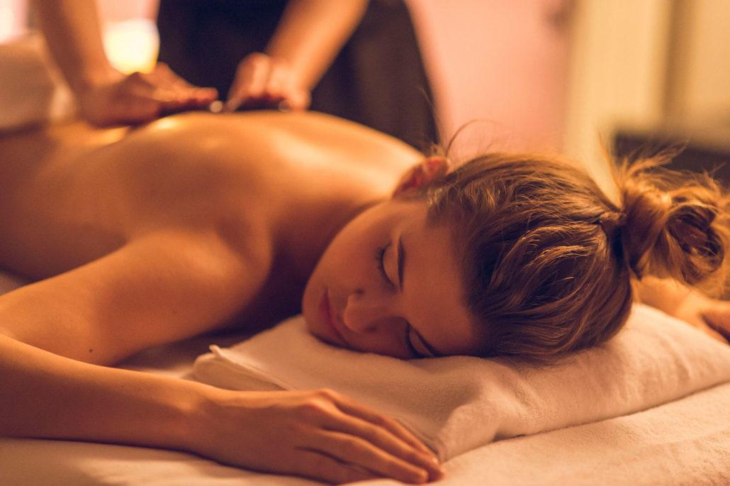 Как массаж помогает восстановить сон